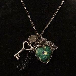 "Jewelry - ⚡️SALE⚡️27"" BRASS HEART NECKLACE w/key, leaf,crown"